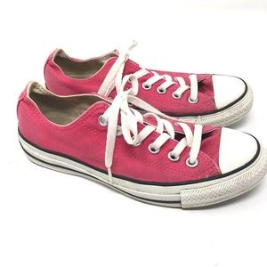 Converse Size 7 Low Top Pink